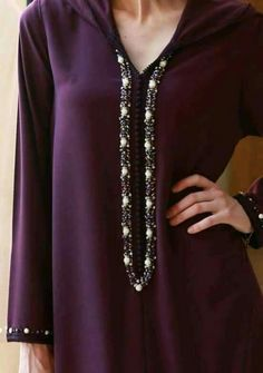 Moroccan Caftan, Moroccan Style, Cool Outfits, Fashion Outfits, Womens Fashion, Eastern Dresses, Modele Hijab, Arabic Dress, Red Hat Society