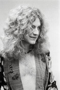 Robert Plant by Neal Preston Robert Plant Led Zeppelin, Great Bands, Cool Bands, Almost Famous Quotes, Dimebag Darrell, John Paul Jones, John Bonham, Dazed And Confused, Renaissance Men
