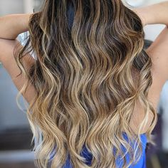 """Winter blonde. Curled with a 1"""" curling iron and most importantly prepped with a heat protectant. So many times I hear guests say, """"I am taking a break from heat styling"""". Say, what?! Heat doesn't need to be scary if you're protecting your hair with the proper products.  My go-to heat protectant also creates 30% more moisture retention!  Bassu Moisture Mist  Available on my online store. Winter Blonde, Blowout Hair, Thing 1, Natural Styles, Curling Iron, Shampoos, Blow Dry, Clean Beauty, Hair Products"""