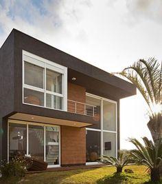 Acompanhe tendências e designs de fachadas modernas, materiais ideais para revestimento. Conheça projetos inspiradores, disponibilizados pelo Viva Decora.