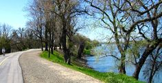 Located in Sacramento California, The American River Trail is a completely paved path perfect for a day outdoors. The path is 32 miles long with mile markers, trailside maps, water fountains, restrooms, and even telephones along the way. Reserve your transportation, and safely fit all your gear with us!