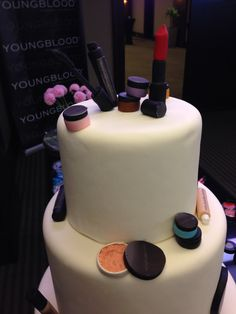 Youngblood Mineral Cosmetics, delicious cake!