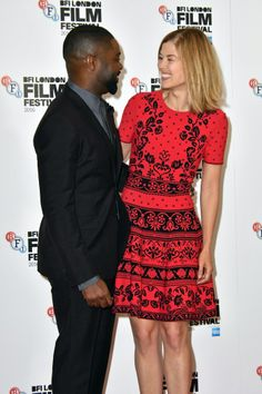 Tom Felton, Sigourney Weaver y otras celebridades llegaron al BFI London Film Festival [FOTOS]