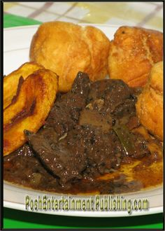 Beef liver and fried dumplins - Best Liver Detox Cleanse Chicken Liver Recipes, Onion Recipes, Beef Recipes, Cooking Recipes, Jamaican Liver Recipe, Jamaican Recipes, Traditional Jamaican Food, Jamaican Breakfast