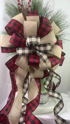 Diy Christmas Tree Topper, Ribbon On Christmas Tree, Black Christmas, Christmas Bows, Christmas Ornaments, Simple Christmas, Christmas Mesh Wreaths, Christmas Countdown, Farmhouse Christmas Decor