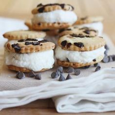 An old styled Italian biscuit ice cream sandwich ideal for hot Summertime days, at any hour. Please all ages and tastes.