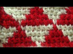 Начинаем вязать – Видео уроки вязания » Вязание тунисского жаккарда без протяжек одновременно от двух клубков – Узор тунисского вязания №33