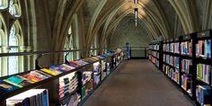 ライフハッカーの兄弟サイト・roomieが、かつて教会だった建物をリノベーションして作られた書店を紹介していました。こんな本屋さんがあったな...
