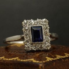 This platinum engagement ring dates to the early years of the 20th…
