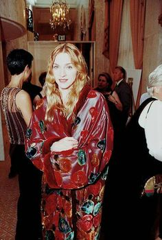 March 1998 Madonna at Miramax Films Pre-Oscar Party Hosted By Harvey Weinstein at Beverly Wilshire Hotel in Beverly Hills, California. Madonna 90s, Madonna Fashion, 90s Fashion, Mariah Carey, Wilshire Hotel, Beverly Wilshire, Beverly Hills, Madonna Pictures, Bae