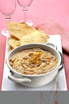 Ambulau, typical sardinian soup that resembles polenta. Polenta sarda di semola d'orzo, Ambulau. Sardinia, ITALY
