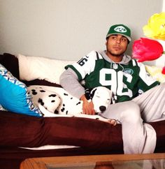 Fan Share From @BergioBruz and His Dog Onyx! Don't Worry He'll Wake Up Before Kick Off! #MNF #dogs #jets