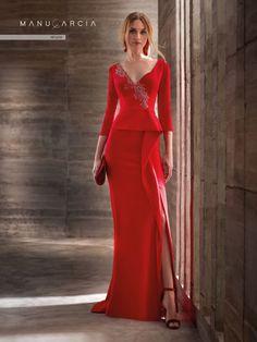 f28080df2 En Gala Boutique te ofrecemos la colección de trajes y vestidos de fiesta  de la firma Manu García. Solicita cita previa en nuestra tienda de novios  en ...