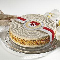 Cakes from the bakery suter in - Edle Kuchenkreationen der Bäckeri Suter in Solothurn. Hazelnut Meringue, Swiss Miss, Dacquoise, Visit Switzerland, Bakery, Pistachios, Almonds, Treats, Recipes