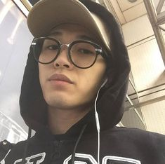 Boys Glasses, Korean Guys, Fine Boys, Ulzzang, Beautiful People, Boyfriend, Baby, Anime, Fashion