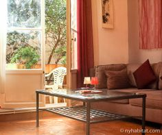 Warm, sunlit, and tasting of honey and brie. How do you like this #furnished #vacation #rental in the south of #France? http://www.nyhabitat.com/south-france-apartment/vacation/1069