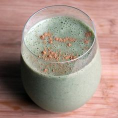 This Chocolate Spinach Smoothie 1 frozen banana, chopped into pieces 1 cup spinach 1/2 cup nonfat yogurt 1 cup chocolate almond milk Pinch of cinnamon, optional Directions Blend all ingredients together until smooth and creamy. Top off with cinnamon if you wish, and drink up!