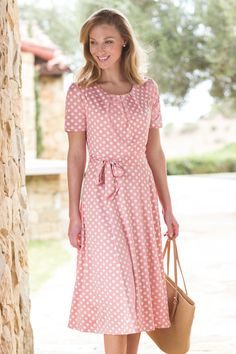 You can't go wrong with this scene-stealer in a classic combo of navy/white polka dots. A confidence-building silhouette. Pretty Outfits, Pretty Dresses, Beautiful Dresses, Cute Outfits, Stylish Outfits, Girl Outfits, Dress Skirt, Dress Up, Dot Dress