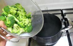 한번 맛보면 반하게 되는 된장 마요 브로콜리 무침 만드는 방법 Korean Food, Broccoli, Vegetables, Cooking, Kitchen, Korean Cuisine, Vegetable Recipes, Brewing, Cuisine