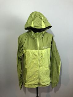 The coat overall is in good used condition. Other than that a very nice coat. Columbia, Rain Jacket, Windbreaker, Raincoat, Shell, Medium, Lady, Green, Jackets
