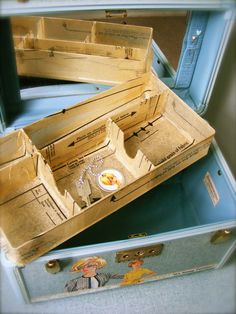 New Sewing Box Decoupage Train Case Ideas Vintage Suitcases, Vintage Luggage, Vintage Train Case, Suitcase Storage, Sewing Box, Sewing Case, Embroidery Transfers, Vintage Embroidery, Upcycled Vintage
