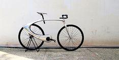 Alguien debería hacer realidad esta bicicleta fixie retro futurista