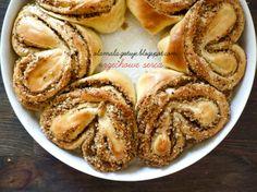 heart hazelnut rolls