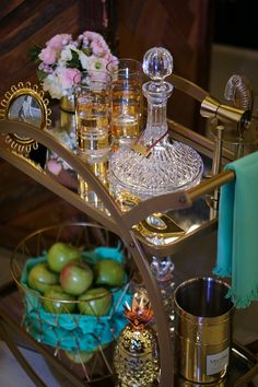 How To Style a Bar Cart - Inspiring Bar Cart Styling Ideas from a Mixologist - Inspirations and Celebrations Diy Bar Cart, Gold Bar Cart, Bar Cart Styling, Bar Cart Decor, Bar Carts, Styling Tips, Bar Refrigerator, Home Bar Areas, Outside Bars
