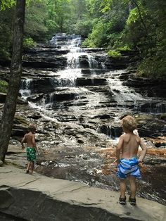 Minnehaha Falls - Minnehaha Falls is one of the best kiddo falls in North Georgia! (Side note before we get started…Helton Creek Falls is the other kid-tastic waterfall in the mountains. Vacation Places, Vacation Spots, Places To Travel, Places To See, Vacation Ideas, Vacations, Waterfalls In Georgia, Camping In Georgia, Iran Travel
