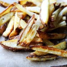 This simple recipe for oven fries with only four ingredients is especially good, especially crispy on the edges, especially creamy on the inside.