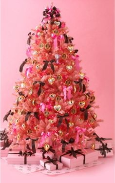 Juicy Couture Christmas tree #glitterinjuicy #givemewhatiwant