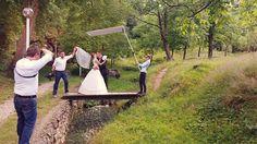 Alex Bunea Photography este o echipa formata din fotografi: Alex si Maria Bunea. Locuim in Timisoara unde avem si studioul foto, dar ne deplasam cu drag pentru