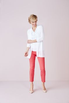 Summer Office, Office Essentials, Work Wear, Capri Pants, Chic, How To Wear, Fashion, Outfit Work, Capri Pants Outfits