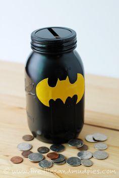 Saving Weekly Allowance with Mason Jar Superhero Banks - Batman Decoration - Ideas of Batman Decoration - DIY Batman Bank Batman Birthday, Batman Party, Superhero Party, Boy Birthday, Birthday Parties, Lego Batman, Birthday Gifts, Mason Jar Crafts, Mason Jar Diy