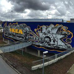 IKEA w Berlinie przyozdobiona muralem Mariusza Warasa Berlin, Ikea, Cool Photos, Art Gallery, City, Artist, Instagram Posts, Poland, Temple