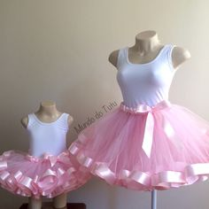 Kit tal mãe tal filha com: 1 tutu com barra de cetim adulto ( P, M, G) 1 tutu c… – collants et dessous Diy Tutu, No Sew Tutu, Mother Daughter Fashion, Mom Daughter, Ballerina Birthday Parties, Birthday Dresses, Tutu Azul, Tutu Bleu, Little Girl Dresses