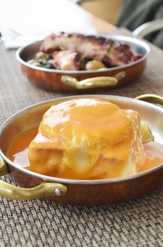 Francesinha, food  Voyage et week-end au Portugal à Porto, blog fernande et rené  www.fere.fr