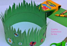 This crown of grass craft is perfect to go green for Earth Day. This crown of grass craft is perfect Earth Day Activities, Spring Activities, Craft Activities, Therapy Activities, Spring Theme, Spring Art, Spring Crafts, April Preschool, Preschool Crafts