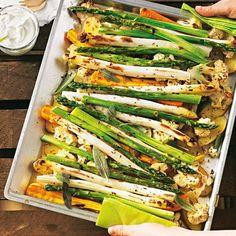 Gratinierter Spargel und Gemüse vom Blech