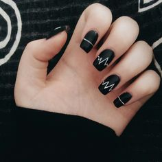 Incredible Black Nail Art Designs for Girls - More Nails 3 - Uñas Cute Acrylic Nails, Matte Nails, Fun Nails, Black Nail Art, Black Nails, Matte Black, Black Glitter, Black Art, Black White