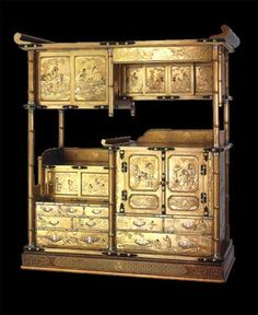 Gold Lacquer Cabinet with Scenes of The Twenty-Four Paragons of Filial Piety - Circa 1860