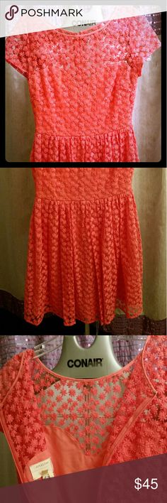 Artelier Anthropologie Dress Beautiful lace with sweetheart cut out 70% cotton 30% nylon + lining Anthropologie Dresses Midi