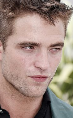 CANNES_MAY_18TH_THE_ROVER_PHOTOCALL
