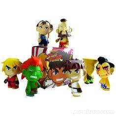 Toy Art - Personagens do Street Fighter | Kidrobot