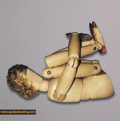 Estiramiento de musculatura paravertebral tumbada para aliviar esa espalda sobrecargada.