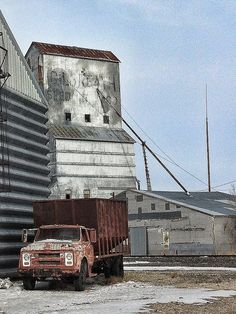 Abandoned truck and grain mill in the panhandle of Texas - © Lauren McCauley