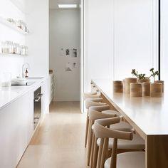 BEELDSTEIL.com Bright Kitchen Inspiration #kitchen #architecture #studiofour