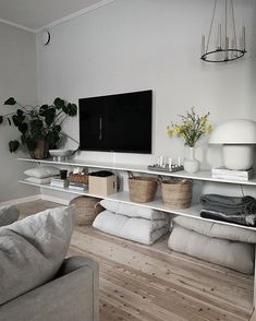 93 apartment livingroom decoration tips ideas to copy 2020 19 Home Living Room, Apartment Living, Interior Design Living Room, Living Room Designs, Living Room Decor, Muebles Rack Tv, Design Hall, Living Room Inspiration, House Styles