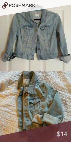 Cropped Denim Jacket Faded light blue denim jacket. Soft and in great condition. Hits right at the waist, so looks adorable with a maxi or mini dress. Perfect as we head into spring! Old Navy Jackets & Coats Jean Jackets