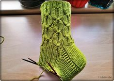 Mitten Gloves, Mittens, Hooded Scarf Pattern, Reverse Braid, Bed Socks, Pink Bedding, Knitting Socks, Knitting Patterns, Knit Crochet